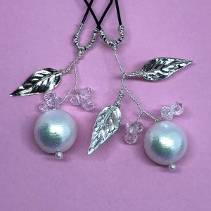 Pins with pearls and leaves