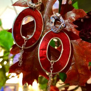 Sustainable burning-red earrings